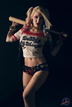 Character: Harley Quinn (Dr. Harleen Quinzel) / From: DC Comics & Warner Bros. Pictures 'Suicide Squad' / Cosplayer: Kristen Hughey / Photo: Rocket Queen Imaging