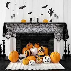 Halloween just around the corner and it's officially time to start getting some spooky decoration. For those who have a fireplace mantel is definitely the perfect for Halloween decoration. Chic Halloween Decor, Casa Halloween, Halloween Party Supplies, Outdoor Halloween, Halloween Themes, Halloween Decorations, 1960s Halloween, Pink Halloween, Vintage Halloween