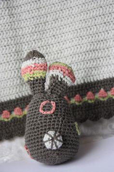 Polly kreativ: Wolleleien - Hase gehäkelt
