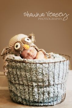 Newborn Photography @Kelly Stolz and @April Dean - here's an idea for Harper