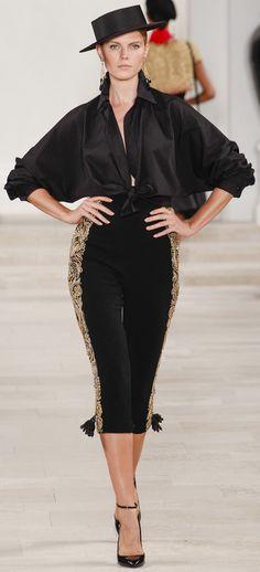 Ralph Lauren spring 2013 Crop Pant with Gold detail Latest Fashion Design, Latest Fashion Trends, Love Fashion, Spring Fashion, Fashion Show, Fashion Outfits, Spanish Fashion, Spanish Style, Catwalk Fashion