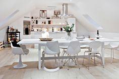 Öppen planlösning mellan kök och vardagsrum. Stora Nygatan 30 - Bjurfors