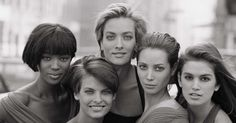 Les super top models Naomi Campbell, Linda Evangelista, Tatjana Patitz, Christy Turlington et Cindy Crawford    - magnifique photo ! (1990)