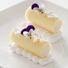 Lemon Mousse, Lemon Mint Gelee, White Meringue. ✅ By - @peckale ✅ #ChefsOfInstagram #Chefheart