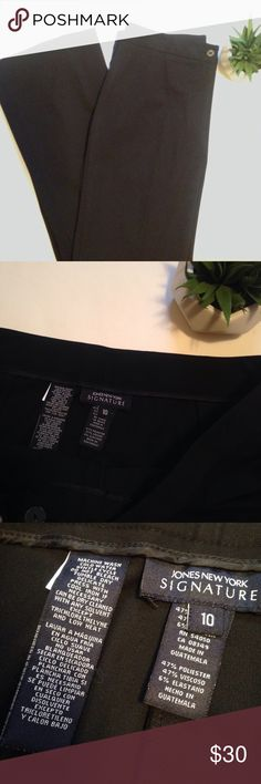 Jones New York Signature Women's Black Pants, EUC Jones New York Signature Women's Black Pants, EUC ♡47% polyester, 6% spandex, 47% viscose ♡Made in Guatemala ♡Size 10 ♡Machine wash cold ♡See photos for details Jones New York Pants