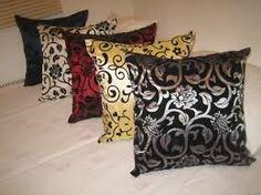 Resultado de imagem para almofadas decorativas para sala de estar