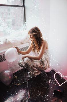 3, 2, 1, HAPPY NEW YEEEEAAAARR. . . Let the night begin, I am usually kin...