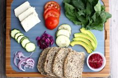 Eating at work or just away from home can be can be pretty hectic, especially when you have nothing healthy around. A great idea to stay healthy without having to rely on the poor options. #livelife #nutrition #recipe #vegan #sandwich #healthy #health #vegano #bogota #colombia #cali #bienestar #recetas #weightloss #dieta #almuerzo #ideas