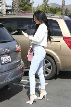 Kim Kardashian and Jenner family attend California Community Church in Agoura Hills, CA Kylie Jenner Body, Mode Kylie Jenner, Trajes Kylie Jenner, Kylie Jenner Outfits, Kyle Jenner, Khloe Kardashian Photos, Estilo Kardashian, Kardashian Style, Outfits For Teens