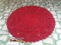 Tapete redondo em crochê com abacaxi. peça feita com o fio diamante premium da Têxtil São João.