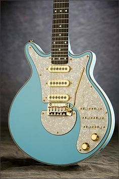 The Baby Blue (Brian May Guitars)