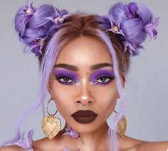 Doubles Chignons, Beauty Makeup, Hair Makeup, Hair Beauty, Fotografie Portraits, Nyane Lebajoa, Look Girl, Hair Reference, Purple Hair