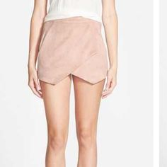 Missguided vegan suede shorts pink SZ 10 NWT Blush vegan suede shorts Missguided Shorts