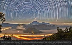 South Celestial Pole star trails and meteor streak over Indonesia Crater Lake, Parc National, National Parks, Ciel Sombre, Terre Plate, Ciel Nocturne, Night Sky Photos, Astronomy Pictures, Grandeur Nature