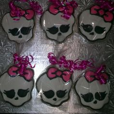 Individually wrapped Monster High Skullette cookies, perfect favor idea for a Monster High Birthday Party.
