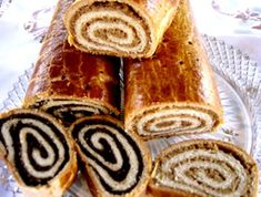 poppyseed or walnut strudel-Hungarian recipe Hungarian Desserts, Hungarian Cuisine, Hungarian Recipes, Hungarian Food, Hungarian Nut Roll Recipe, Hungarian Cookies, Croatian Recipes, Strudel, Sweet Recipes