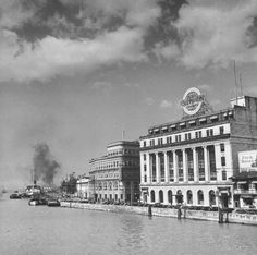 A view of Pasig RIver an downtown Manila on week before the outbreak of war with Japan. Treaty Of Paris, President Of The Philippines, Philippine Holidays, The Spanish American War, Manila Philippines, Back In Time, Cebu, History Facts, Historical Sites