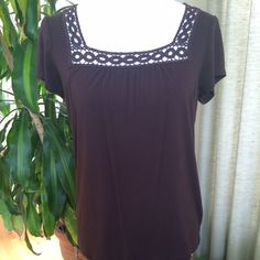 🎉HP🎉Banana Republic Chocolate Brown Top Brown knit top with trim detailed square neckline. Short sleeves. 25.5 inches long, shoulder to hem measured hanging. Drapes softly. In good condition - worn and washed a couple times. Slight pilling as shown in 4th photo is not very noticeable when wearing. Banana Republic Tops Tees - Short Sleeve
