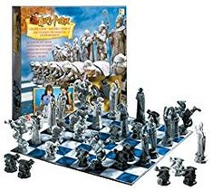 Original Harry Potter Chess Set from Sorcerer's Stone Film Release in 2002 Harry Potter Chess Set, Harry Potter Games, Harry Potter Wizard, Hogwarts Mystery, Hogwarts Houses, Diy Online, Activities For Teens, Acrylic Craft Paint, Character Home