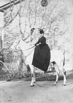 Empress Marie Feodorovna on a horse