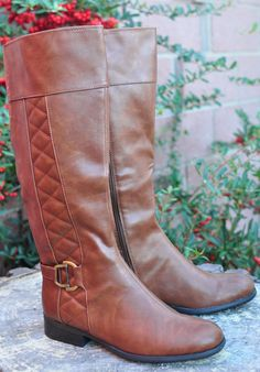 Loving my new boots from Famous Footwear #ohsofamous #sponsored http://clvr.li/osfholiday