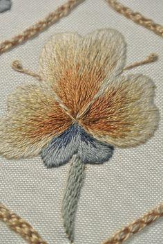 Motif 3 Close up Folk Art Silk Shading by Rose Red Ruth, via Flickr