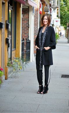 Jersey Girl, Texan Heart: Black and White. Comfort meets fashion up on the blog today with UGG BCBG and Guess!