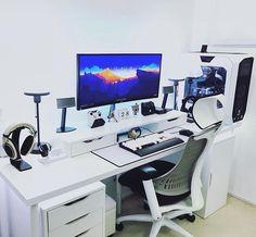 "Polubienia: 1,283, komentarze: 5 – Anees - PCs,Setups and Tech (@futurecomputers) na Instagramie: ""A dream setup right here. Submission by @sarz_92263!"""