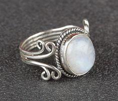 Einzigartige handgefertigte Mondstein Ring von Midas - Schmuck ist aus 925 Sterling Silber mit natürlichen Mondstein Stones. Wählen Sie diese Mondstein Ring, um neue Definition , um Ihre...