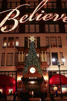 NYC at CHRISTMAS - Macy's window displays are some of the best and the inside of the store is beautifully decorated as well.  Get an extra 8% cash back on all of your Macy's online orders through http://www.dubli.com/T0US15V3O
