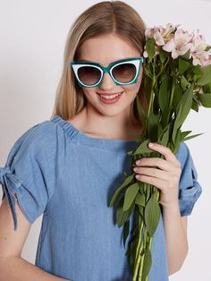 Dahlia Turquoise Plastic Frame 1950's Cat Eye Sunglasses