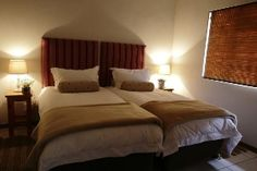 Benjamin House consists of 2 bedrooms. Main queen bed with en-suite and the second bedroom has 2 single beds. Two more guests can sleep on a comfortable sleeper couch in the lounge. Two Bedroom, Bedrooms, Sleeper Couch, Single Beds, Open Fireplace, River House, Queen Beds, Soft Furnishings, Two By Two