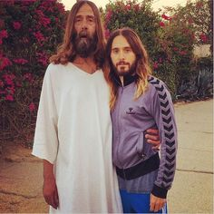 Thirty Seconds to Mars frontman Jared Leto ran into Jesus, and he's got the Instagram photo to prove it.