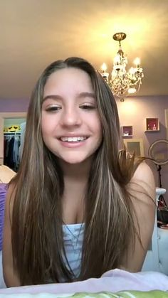 Her smile is so addorable That's why she's looking for love from Johnny Orlando it's true 😉😉