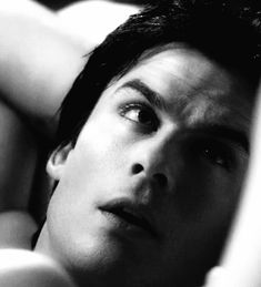Stefan Salvatore, Damon Salvatore Vampire Diaries, Ian Somerhalder Vampire Diaries, The Vampire Diaries 3, Vampire Diaries Wallpaper, Vampire Diaries The Originals, Ian E Nina, Black And White Gif, Ian Somerholder