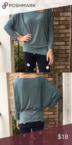 Green oversized tunic top In excellent condition with no rips or stains. Lightweight and slouchy top. Looks better in person than in my pic! Lanis California Tops Tunics