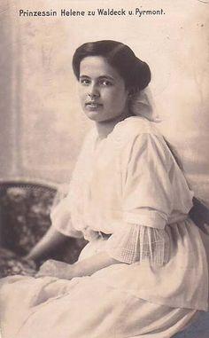 Princesse  Hélène de Waldeck-Pyrmont (1899-1948) fille de Friedrich, prince de Waldeck-Pyrmont (1865-1946), et de la princesse Bathilde de Schaumburg-Lippe (1873-1962)
