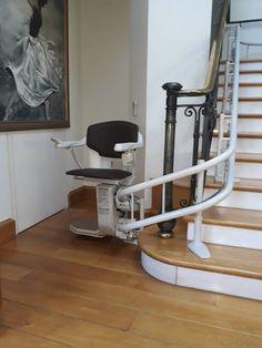 Νέα εγκατάσταση από το καλύτερο τμήμα σχεδίασης! To μοντέλο Sοlus 260 για περιστροφικές σκάλες εγκαταστάθηκε στη ΦΙΛΟΘΕΗ. Το τμήμα σχεδίασης της Draculis αφού έκανε τις απαραίτητες μετρήσεις, μελέτησε και δημιούργησε το κατάλληλο σχέδιο, συνδυάζοντας την άνεση και την ασφάλεια με την κομψή εμφάνιση!