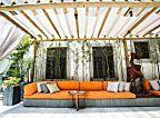 Móveis e acessórios para turbinar o décor da varanda | Casa