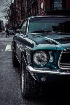 with-grace-and-guts: 500px / a old ford mustang in NYC by 50Centimos