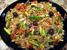 Only for veg people, cereal salad! Salad Recipes, Diet Recipes, Vegetarian Recipes, Healthy Recipes, Salad Dishes, Summer Recipes, I Foods, Italian Recipes, Entrees
