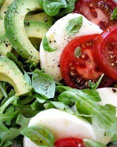 """Combinação perfeita para uma salada """"protagonista"""" de um jantar light e…"""
