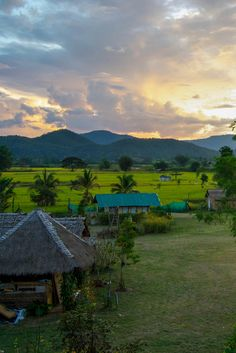 There's so much to do in Pai, northern Thailand, and nearly all are free and in stunning natural surroundings. Waterfalls, canyons, and the land split.