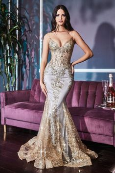 Mermaid Evening Gown, Mermaid Gown, Long Sleeve Evening Gowns, Glam Dresses, Beaded Prom Dress, Wedding Dresses Photos, Dress Picture, Embroidered Lace, Skirt Fashion