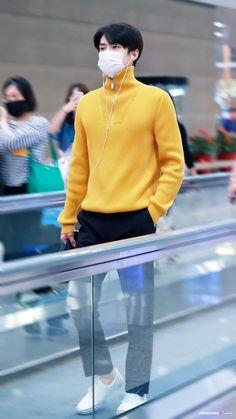 Sehun [HQ] 190919 Incheon Airport, Departing for Bangkok Kpop Exo, Suho Exo, Babe, Ko Ko Bop, Exo Korean, Kim Min Seok, Kpop Fashion, Airport Fashion, Airport Style