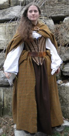 Houseplants That Filter the Air We Breathe Historic Scottish Costumes For Women Highland Scottish Costume, Scottish Dress, Traditional Scottish Clothing, Traditional Dresses, Scottish Women, Scottish Fashion, Celtic Clothing, Medieval Clothing, Historical Costume