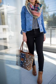How to wear black jeans outfits stitches 60 ideas Outfit Jeans, Jean Jacket Outfits, Shirt Outfit, Black Jeans Outfit Winter, Outfits With Striped Shirts, Striped Jeans, Denim Shirt Black Jeans, Skinny Jeans, Winter Outfits