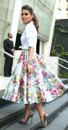 Alfreda Multicolor Pleated Floral Full A-line skirt