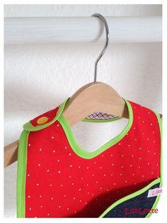 Wunderschönes Babylätzchen von LiseLotte auf DaWanda.com!