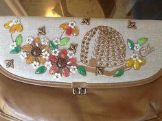 Vintage-Enid-Collins-of-Texas-Busy-Bee-clutch-purse-handbag-